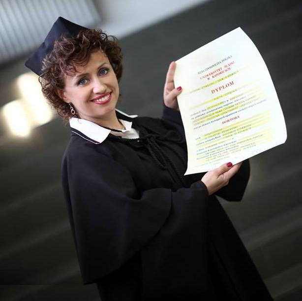 promocja-doktorska-Aneta-Czerska-z-dyplomem