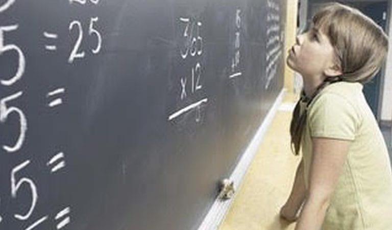 Dyskalkulia dziewczynka choroba czydysfunkcja zapobieganie