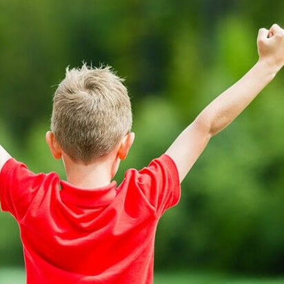 Polskie dzieci mają najniższą samoocenę – jak nauczyć poczucia własnej wartości