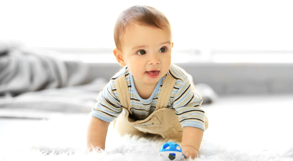 rozwój dziecka 3-7 miesięcy raczkowanie