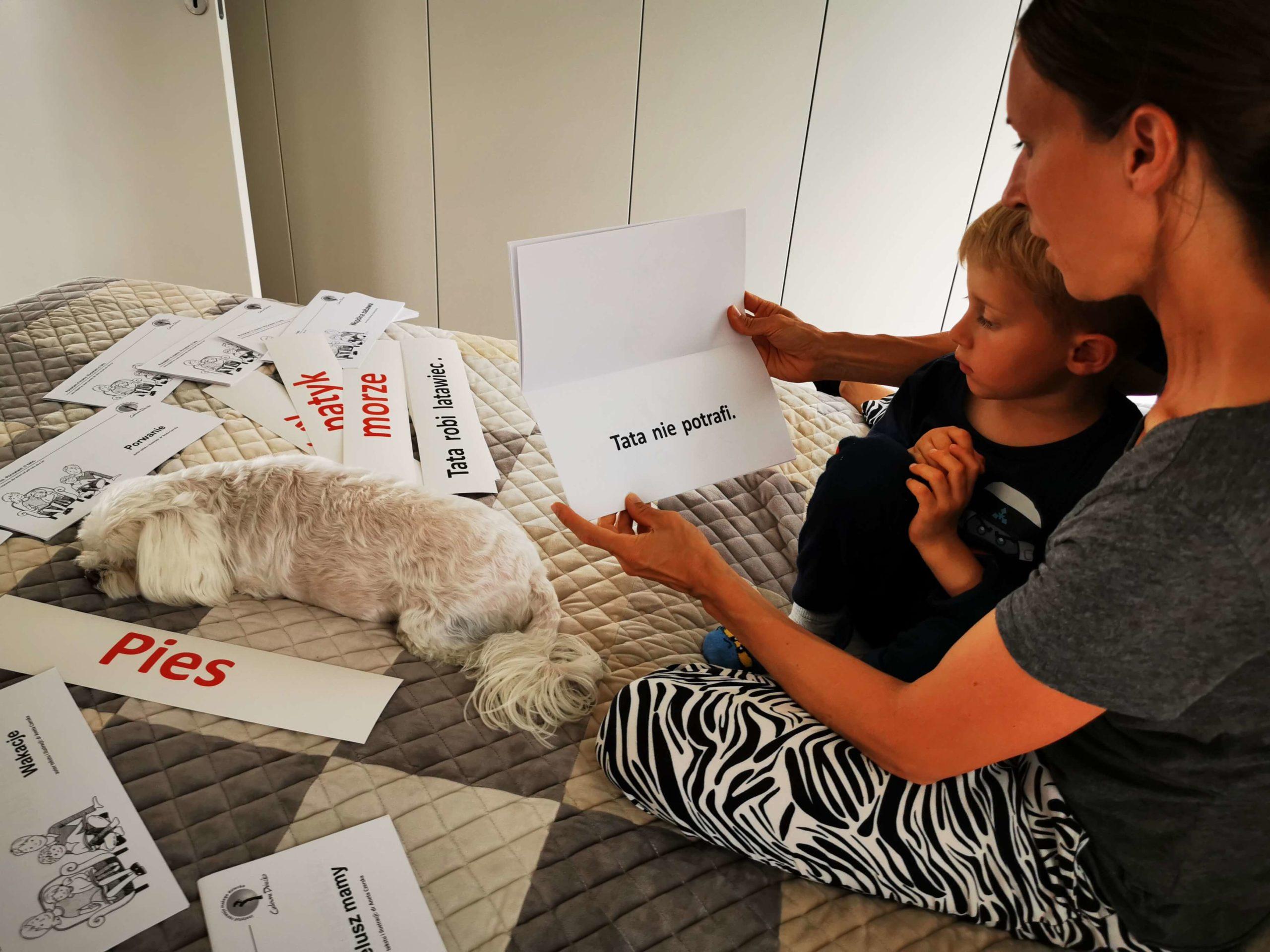 Czytanie Globalne Karty ZWyrazami Zdaniami książeczki Przedszkolak ZMama Czyta Książkę Metoda Domana CzyCudowne Dziecko